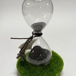 ساعة مغناطيسية مع برادة الحديد